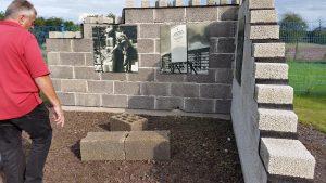 Mauer mit Bimssteinziegeln, Foto: Angelika Albrecht